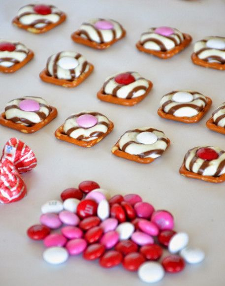 Valentine's Day Sweets That Will Melt Your Heart   Valentine's Day Pretzel Buttons