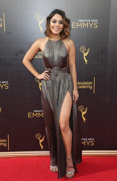 "Vanessa Hudgens - 5'1"" - The Shortest Women In Hollywood - Photos"