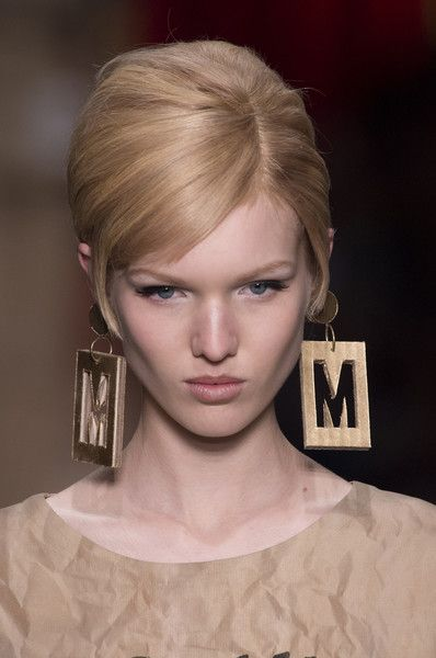 Moschino, Fall 2017 - Milan's Most Eye-Catching Runway Jewelry for Fall - Photos