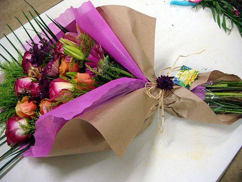Как можно сделать упаковку для цветов 507
