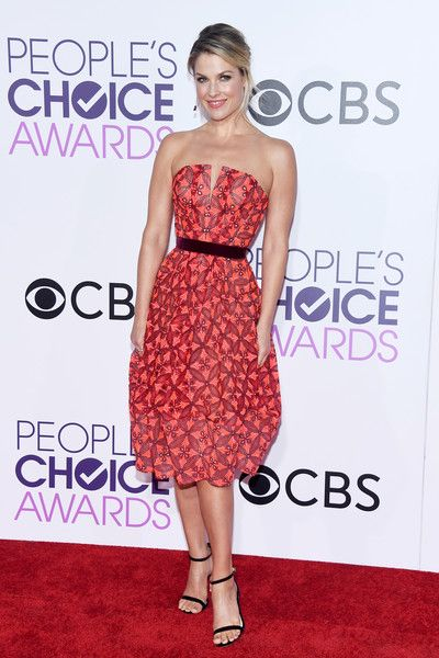 Actress Ali Larter attends the People's Choice Awards 2017.