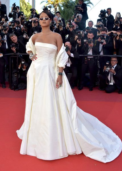 """Rihanna Photos Photos - Rihanna attends the """"Okja"""" screening during the 70th annual Cannes Film Festival at Palais des Festivals on May 19, 2017 in Cannes, France. - 'Okja' Red Carpet Arrivals - The 70th Annual Cannes Film Festival"""