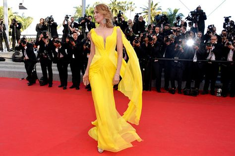 Uma Thurman in Atelier Versace, 2014 - The Most Daring Dresses on the Cannes Red Carpet - Photos