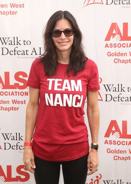 Actress Courteney Cox attends the ALS Association Golden West Chapter Los Angeles County Walk to Defeat ALS.