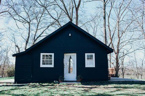 A Tiny Nashville Cottage Gets A Sexy Facelift.
