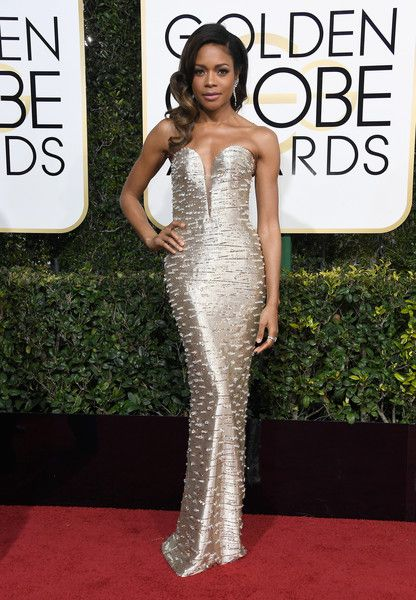 Naomie Harris - All the Stunning Looks from the 2017 Golden Globes - Photos