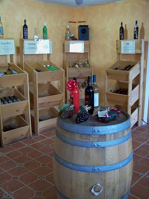 Illinois River Winery, Utica IL