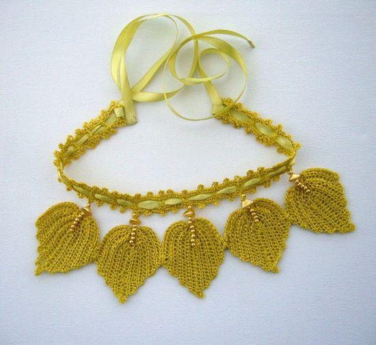 Hand Crochet   Bib Necklace Choker Spring Leaves by CraftsbySigita on Etsy