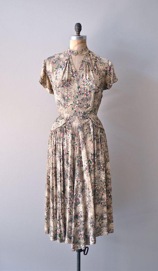 vintage 1940s Artemisia rayon dress     #vintagedress #vintage #1940s