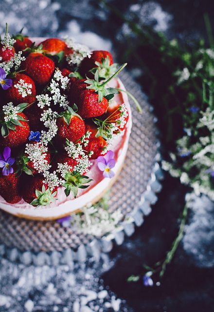 Mmmm: No-bake strawberry cheesecake.