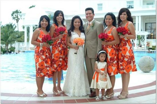 http://bios.weddingbee.com/pics/57823/printed.jpg
