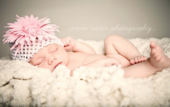 I love newborn pictures like this!
