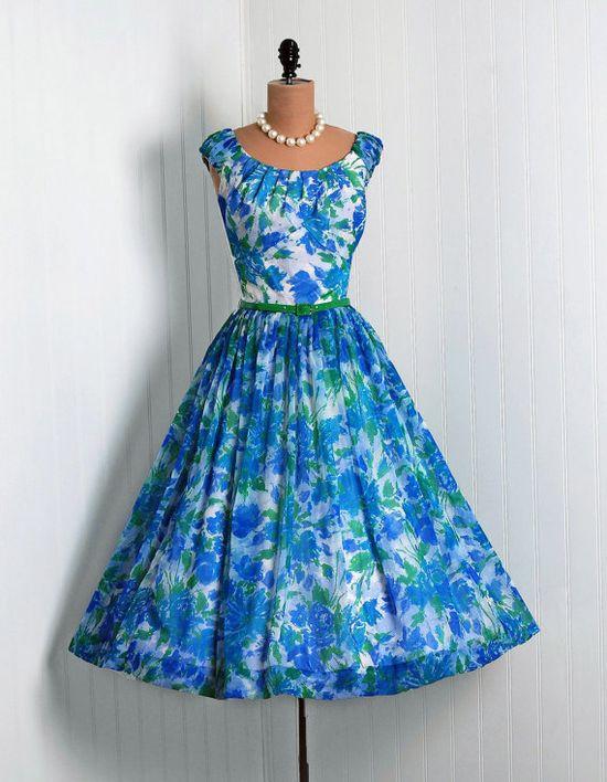 Blue floral 1950s vintage dress