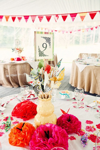 Colorful and pretty. #weddings #tablescapes #color
