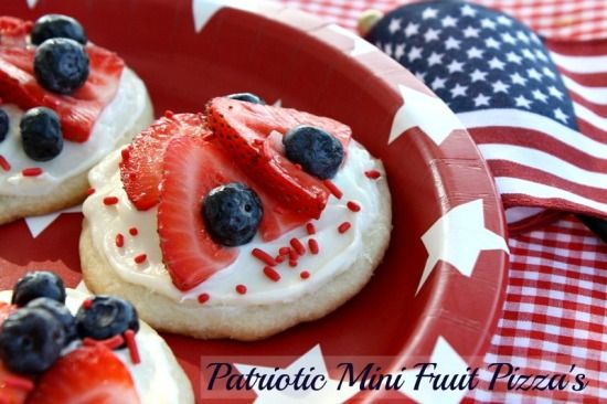 Red, White & Blue Mini Fruit Pizza's - 4th of July Dessert from Mommy's Kitchen:
