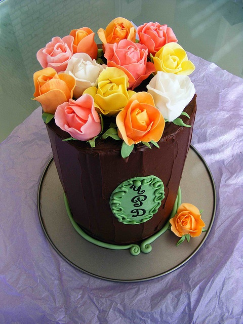 Chocolate cake with roses by bubolinkata,