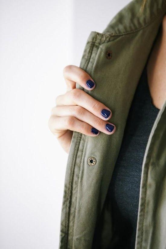 Navy Nails: Essie 'Midnight Cami'