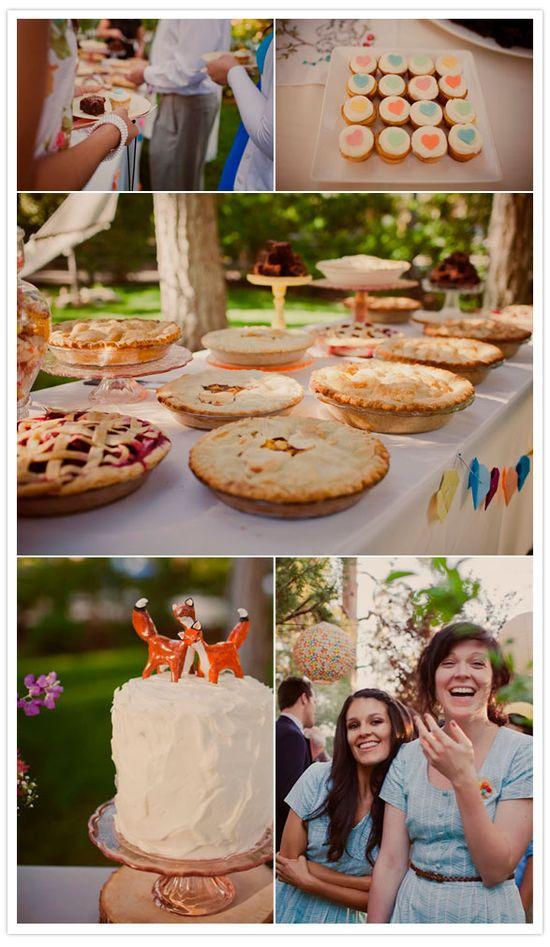 Picnic wedding love!