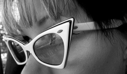 Vintage 60s Black & White Cat Eye glasses