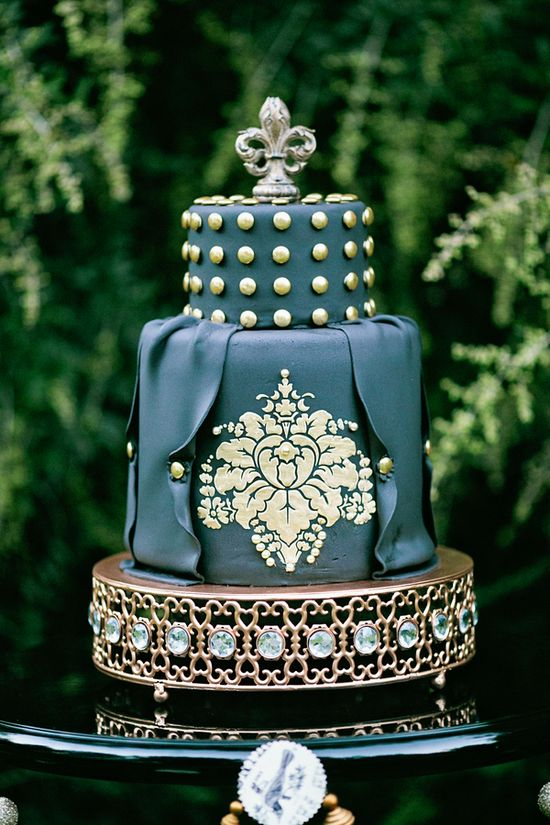 black and gold wedding cake // photo by AmandaWatsonPhoto... // cake by MadisonsOnMainStr...