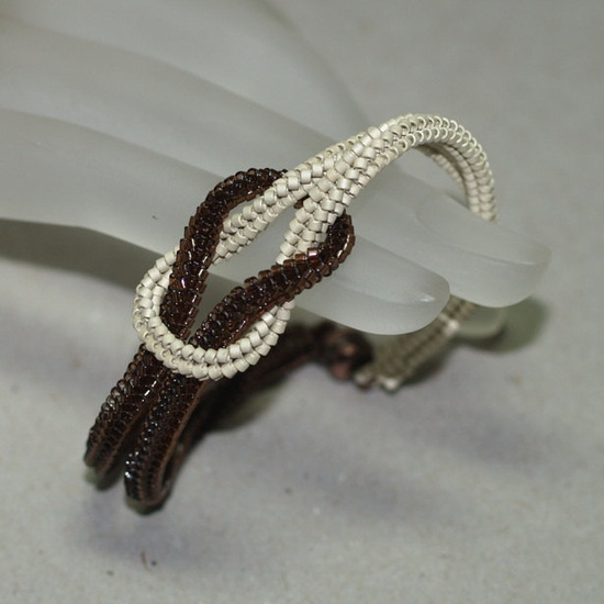 Bracelet . Knotted . Magnetic Closure
