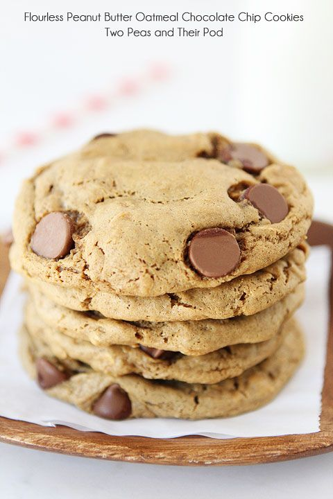 Flourless Peanut Butter Chocolate Chip Oatmeal Cookies on twopeasandtheirpo...