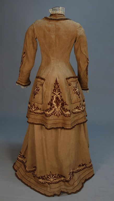 Day or walking dress, ca 1880 (Back)