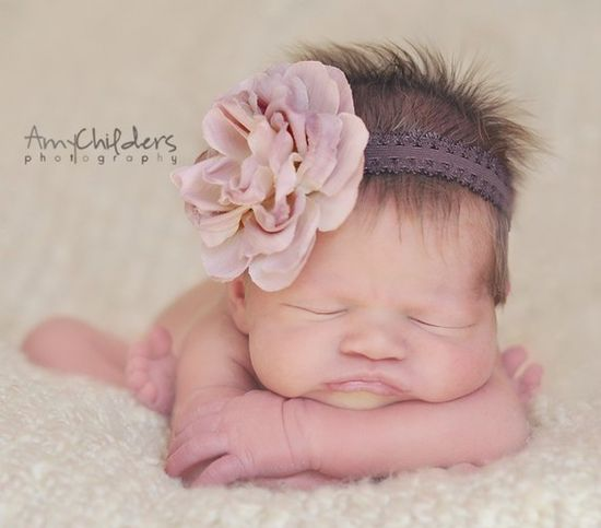 Cute little headband.