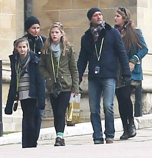 Tim McGraw and Faith Hill Visit Windsor Castle With Their Girls