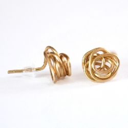 Make simple stud earrings with nothing but jewelry wire and some pliers!