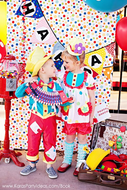 Circus / carnival birthday party ideas. Found via Kara's Party Ideas. #circus #birthday #party #ideas #carnival #booth
