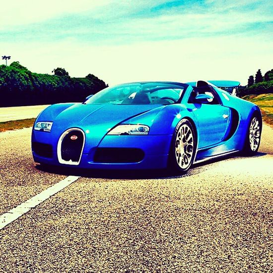 Beautiful Blue Bugatti Veyron GS