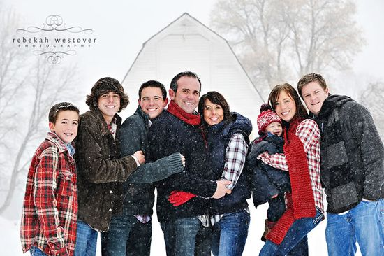 Great poses for a large family or group