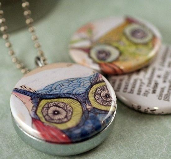 Interchangable owl necklace.