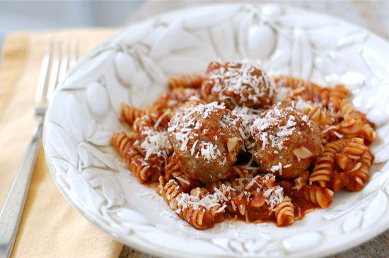 Recipe: Whole-Wheat Spaghetti and Meatballs