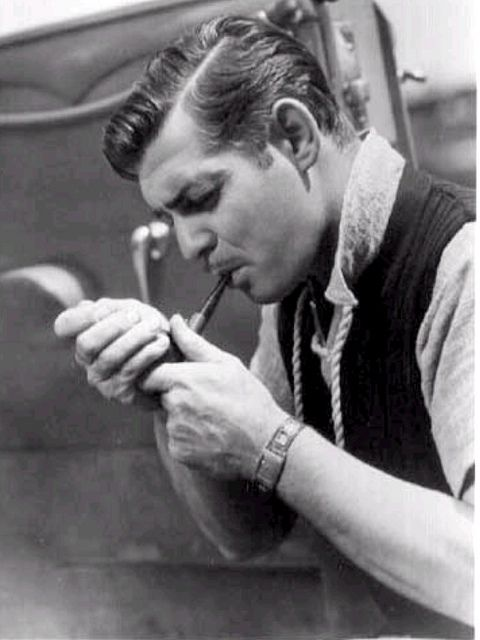 We all know smoking is bad for you, but I'll always have a soft spot for vintage chaps with pipes, such as Clark Gable in this shot from 1936. #Clark_Gable #men #actors #vintage #pipe #Hollywood #movies #handsome