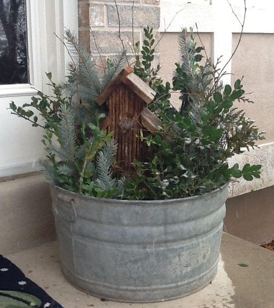 Bucket 'O Dirt + Yard Clippings = Winter Porch Display!