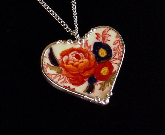 Broken china jewelry heart pendant by Dishfunctional Designs. Made from a broken plate.