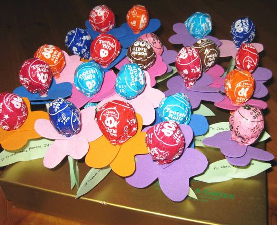 Need to make a Valentine's Day board!  These are a cute idea!