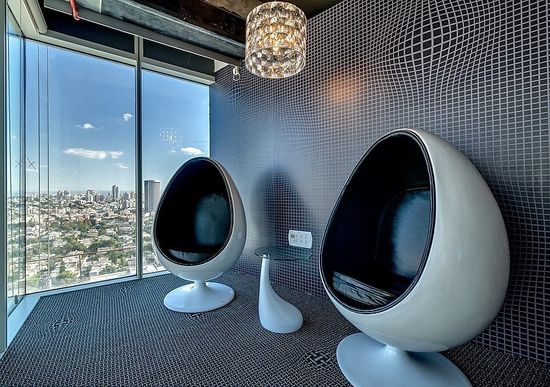 New Google Tel Aviv Office by Camenzind Evolution: Check out the enlarged details on the carpet. Its an amazing idea.