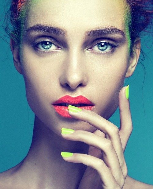 Neon nails and lips. topshelfclothes.com