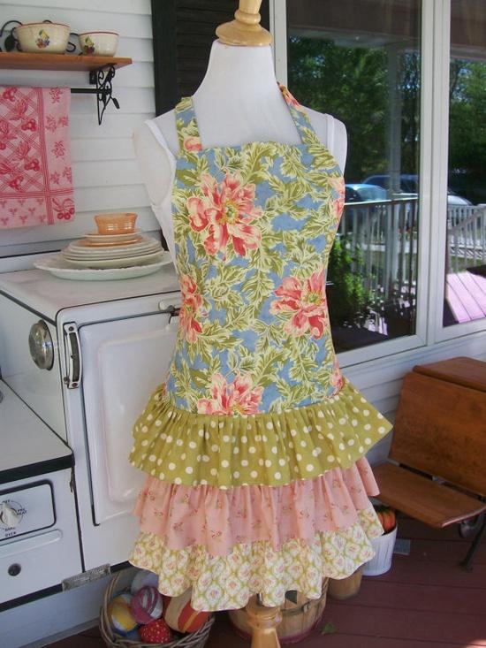 such a pretty, feminine apron
