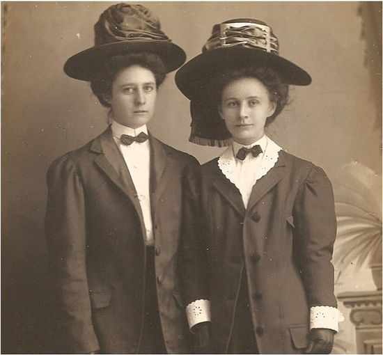 Charming VINTAGE PHOTO of  Victorian Sisters by vintagewarehouse, $3.50