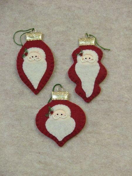 felt Ornaments: Santas