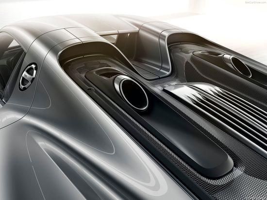 Porsche-918_Spyder_2015