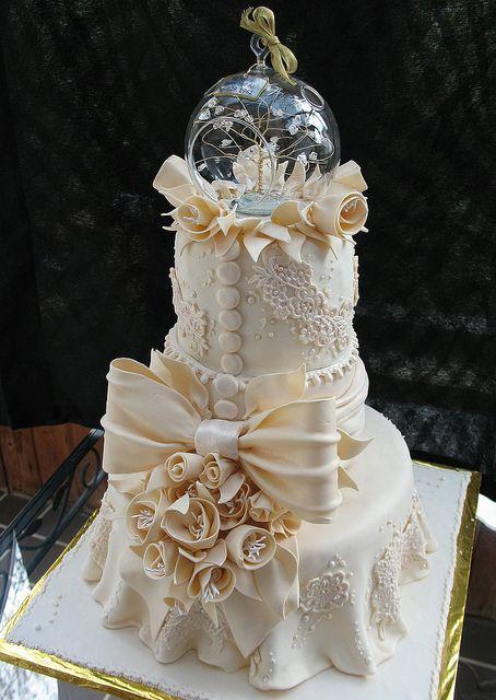 Ivory Lace Tiered Fondant Wedding Cake
