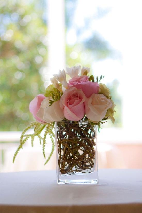 Flower arrangements simple -- When less is more
