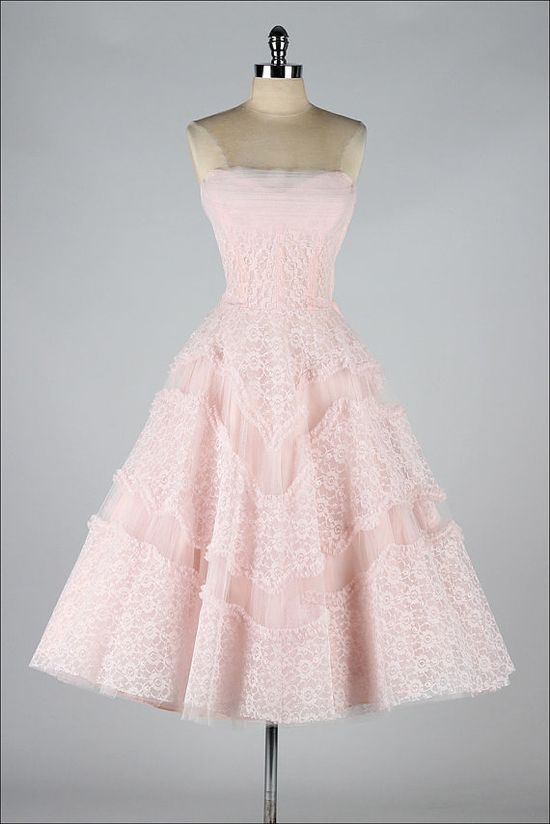 vintage 1950s dress pink lace #partydress #vintage #frock #retro #teadress #romantic #feminine #fashion #promdress