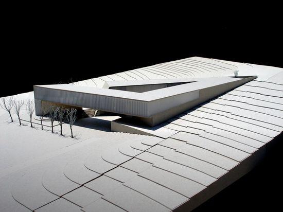 Jabotinsky Center, Chyutin Architects. Beautiful model, beautiful design.