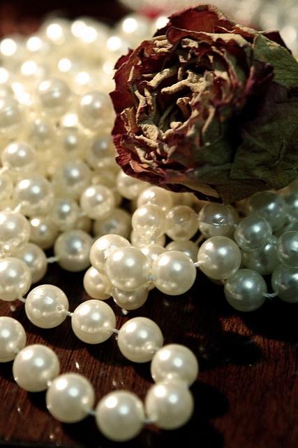 /vintage pearls